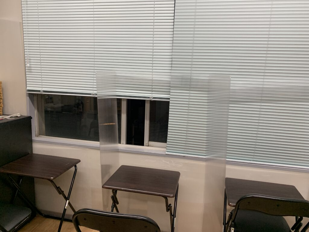 浦和駅前教室窓3